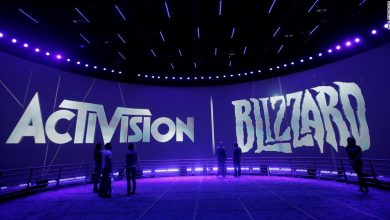 Photo of Activision Blizzard employees sign petition denouncing company's 'abhorrent' response to lawsuit